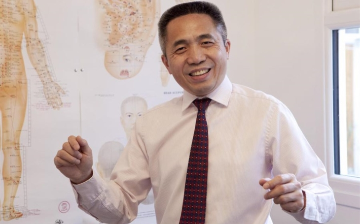 Prof. Dr. Tianjun Wang, United Kingdom: TCM as a part of the medicine can be really beneficial and can help in general